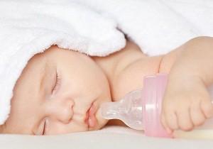 ребенок засыпает только при кормлении как отучить
