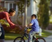Научить ребёнка кататься на велосипеде