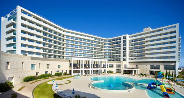 Адлер. Отели всё включено с бассейном и пляжем. Рэдиссон.
