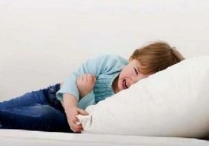 у ребенка после еды болит живот